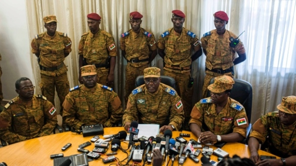 Gen. Honore Nabere Traore leads a press conference on October 31, 2014, announcing that he would serve as president following Blaise Compaore's resignation (Photo: Theo Renault/AP)